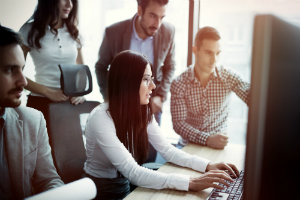 7 Ways to Minimize Risks When Outsourcing Your Software Engineering Team1