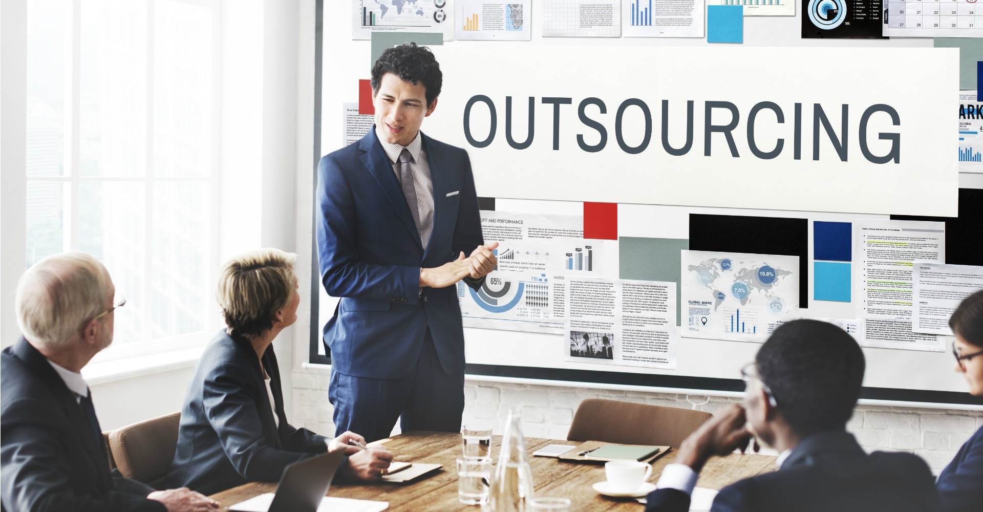 Why You Should Outsource to Colombia - featured